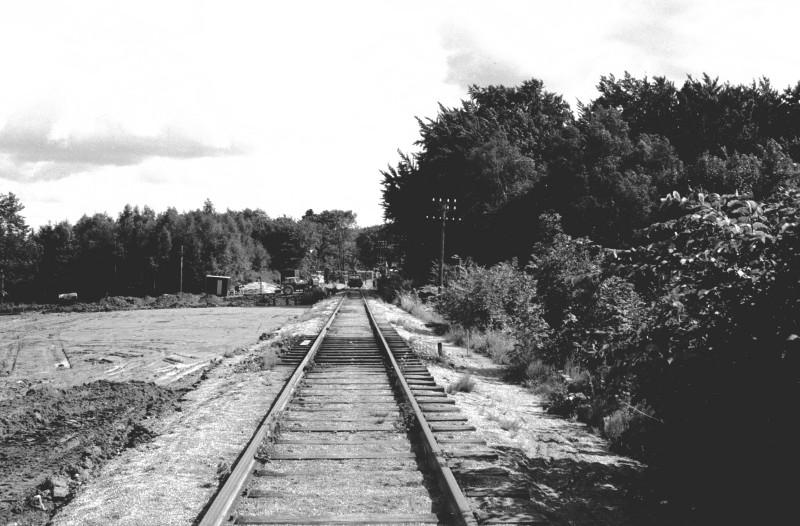 http://www.mjk-h0.dk/evp_DSB-Div/37-483.I.04.Det_gamle_spor_mod_Koebenhavn_L_og_Furesoe_trb.Aug.1973.jpg