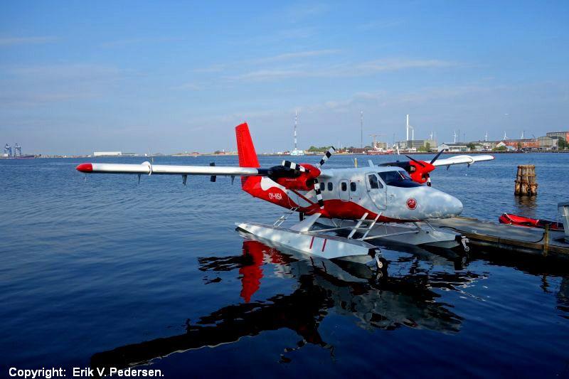 13779-DSC00732.Aarhus-Kbh-vandflyver-27.9.2016.JPG (800×533)