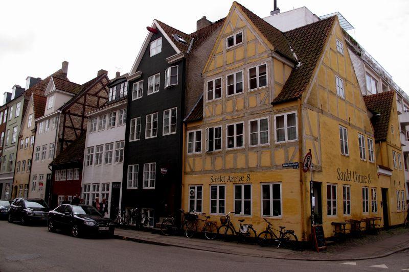 28-IMG_0485.Sct.Annae Gade.Chr.havn.JPG (800×533)