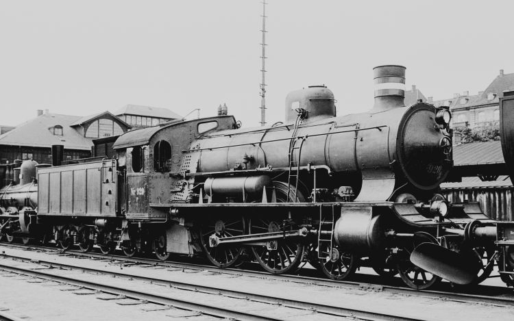 http://www.mjk-h0.dk/evp_Div/71.ii.24a.dsb_p_920.oesterport.25.juli_1959.jpg