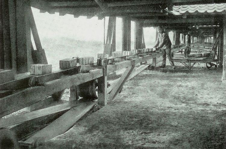 http://www.mjk-h0.dk/evp_Div/titan_frederiksholms_tegl_og_kalkvaerker.ca.1922.jpg