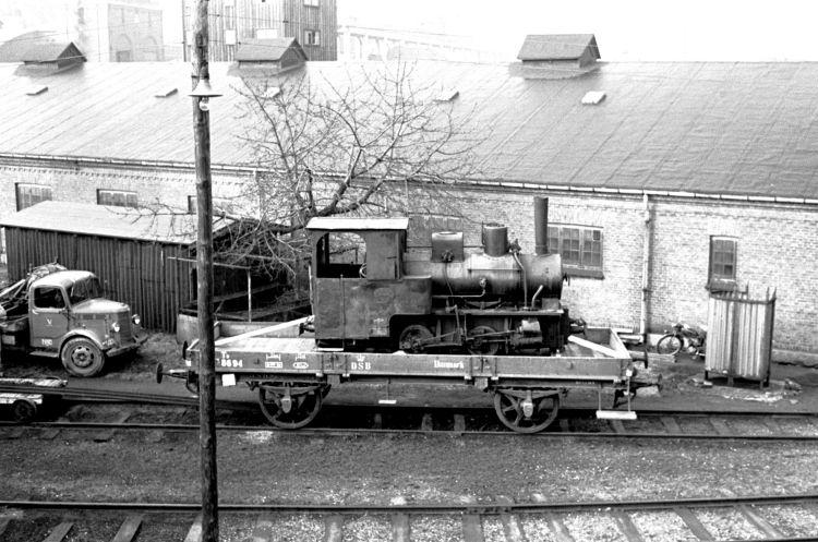 http://www.mjk-h0.dk/evp_Gas/141.iii.16.hedehusene,krauss%207036,valby_gasvk,15.3.1961.jpg
