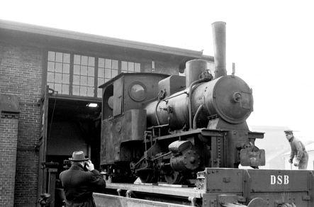 http://www.mjk-h0.dk/evp_Gas/142.i.18a.hedehusene,krauss%207036,valby_gasvk,15.3.1961.jpg