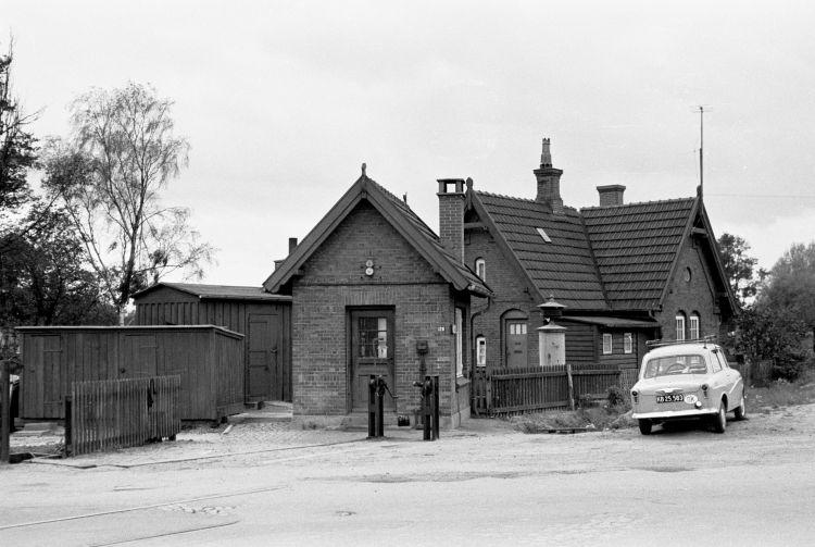 http://www.mjk-h0.dk/evp_Gas/171.i.15.dsb-trekronergade-overkoerslen.sept.1962.jpg
