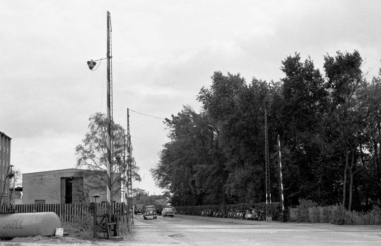 http://www.mjk-h0.dk/evp_Gas/171.i.16.dsb-trekronergade-overkoerslen.sept.1962.jpg