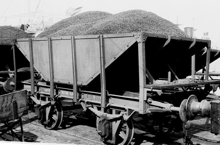 http://www.mjk-h0.dk/evp_Gas/63.i.13.oestre_gasvaerk.vogn_9.april_1959.jpg.jpg