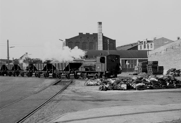 http://www.mjk-h0.dk/evp_Gas/63.ii.18.oestre_gasvaerk_nr.1.kbh.frihavn.apr.1959.jpg