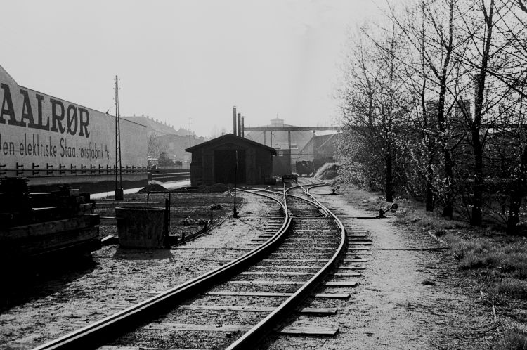 http://www.mjk-h0.dk/evp_Gas/64.i.26.oestre_gasvaerk.remisen.april_1959.jpg
