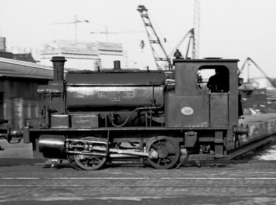 http://www.mjk-h0.dk/evp_Gas/c-63.ii.19.oestre_gasvaerk_nr.1.kbh.frihavn.apr.1959.jpg
