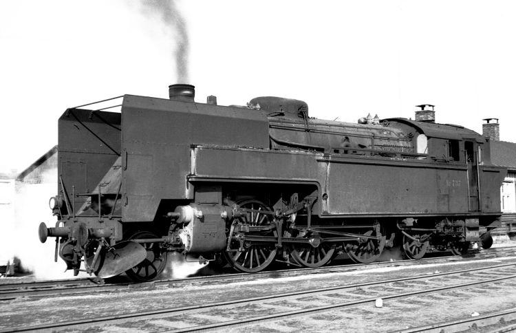 http://www.mjk-h0.dk/evp_Gb/233.i.08.s_737.kmp.gb.mar.1964.jpg
