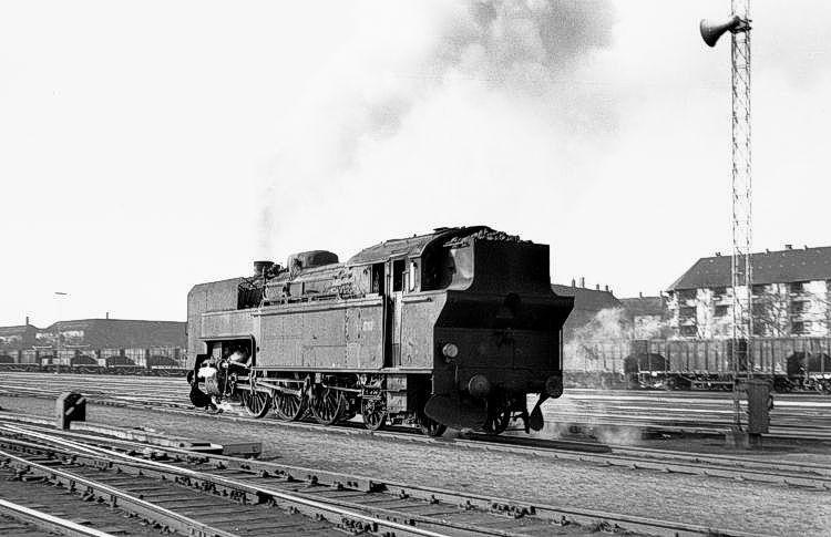 http://www.mjk-h0.dk/evp_Gb/233.i.10.s_737.kmp.gb.mar.1964.jpg
