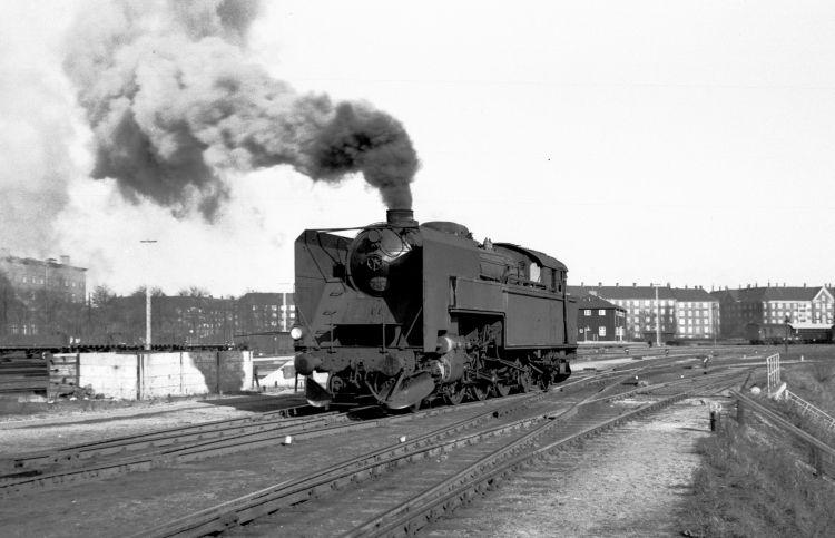 http://www.mjk-h0.dk/evp_Gb/233.i.90.s_737.kmp.gb.mar.1964.jpg