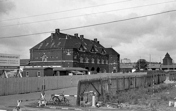http://www.mjk-h0.dk/evp_Gb/330.i.10.koebenhavn_gb.4.9.1966.jpg