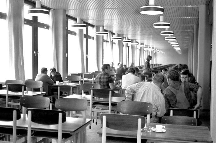 http://www.mjk-h0.dk/evp_Gb/445.ii.04.kantinen.gb.dg.efter_indvielse.18.8.1970.jpg