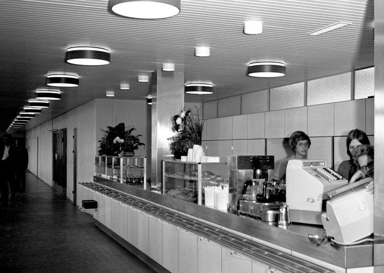 http://www.mjk-h0.dk/evp_Gb/445.iii.03.kantinen.gb.dg.efter_indvielse.18.8.1970.jpg