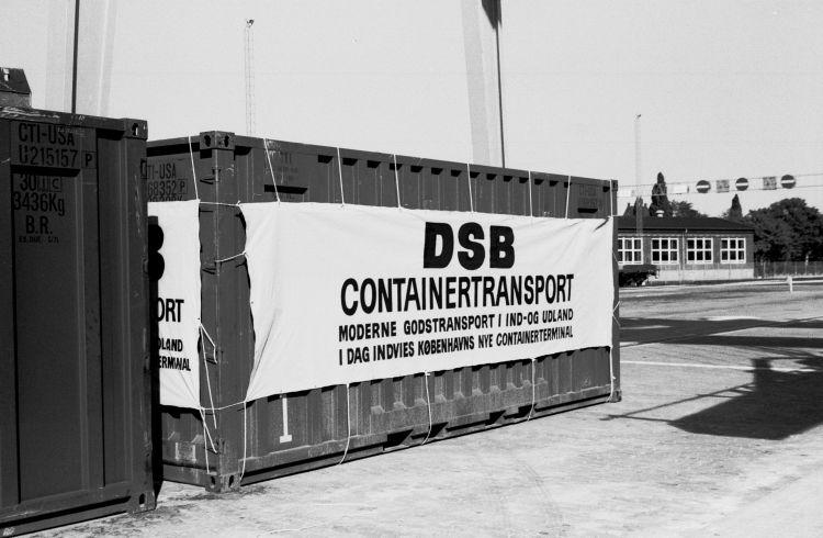 http://www.mjk-h0.dk/evp_Gb/447.ii.05.dsb.indv.af_containerterm.23.9.1970.jpg