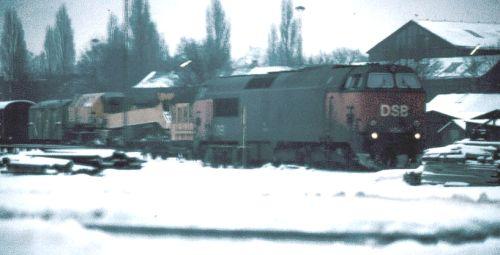 http://www.mjk-h0.dk/evp_Gb/r3013.mz_iv_paa_vej_ud.1979.foto.o.rasmussen.jpg