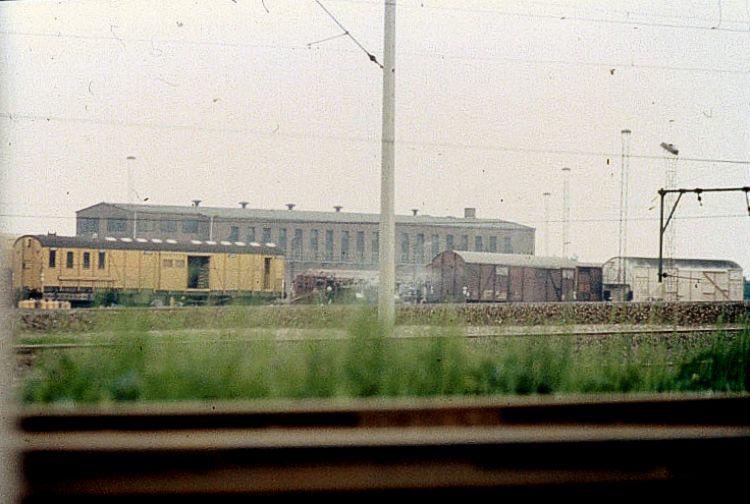 http://www.mjk-h0.dk/evp_Gb/r3040.tdgs_vaeltet_m.korn_ved_post_b.1979.foto.o.rasmussen.jpg