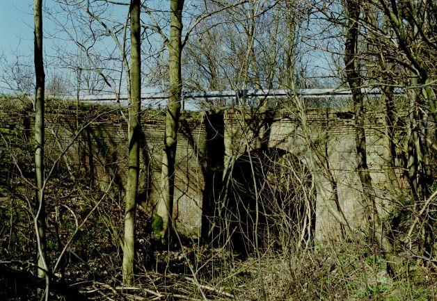 http://www.mjk-h0.dk/evp_Hamm/1171.ii.04.viadukt_v.roeglegd.hamm.tglv.5.4.2002.jpg
