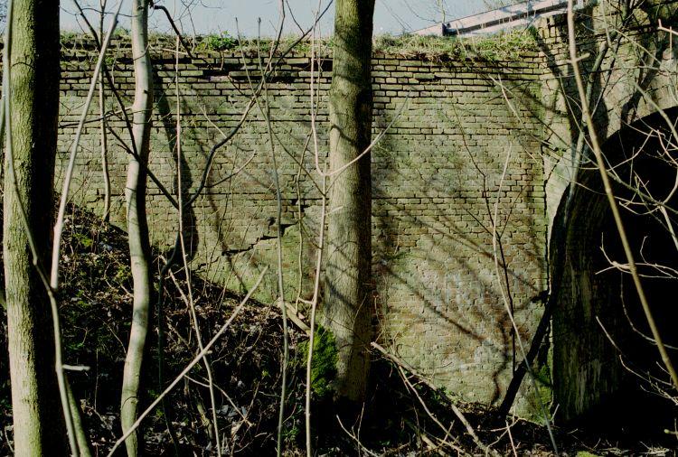 http://www.mjk-h0.dk/evp_Hamm/1171.iii.07.viadukt_v.roeglegd.hamm.tglv.5.4.2002.jpg