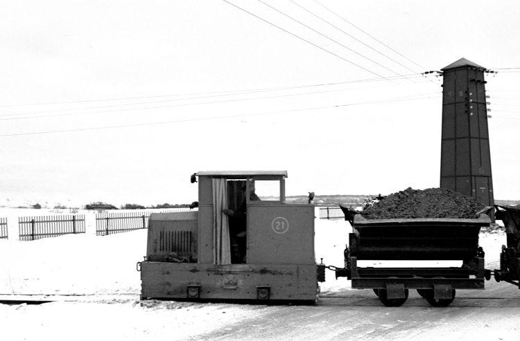 http://www.mjk-h0.dk/evp_Hamm/85.i.42.hammersholt_teglvk.nr.21_ankommer.febr.1960.jpg