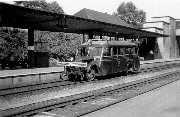 http://www.mjk-h0.dk/evp_KB/kb_sm_2.vordingborg.16.september_1947.foto.h.de_haerder.jpg