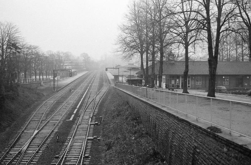 http://www.mjk-h0.dk/evp_Kystb/114-klampenborg_station.1971.-c-.p.b.p.jpg