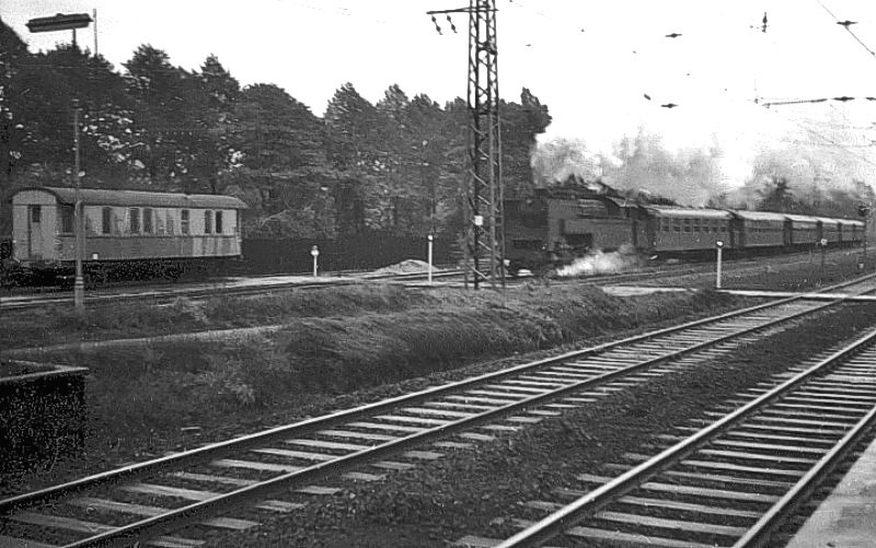 http://www.mjk-h0.dk/evp_Kystb/132-s-maskine.hellerup.efteraar_1963-c-tom_boye_poulsen..jpg