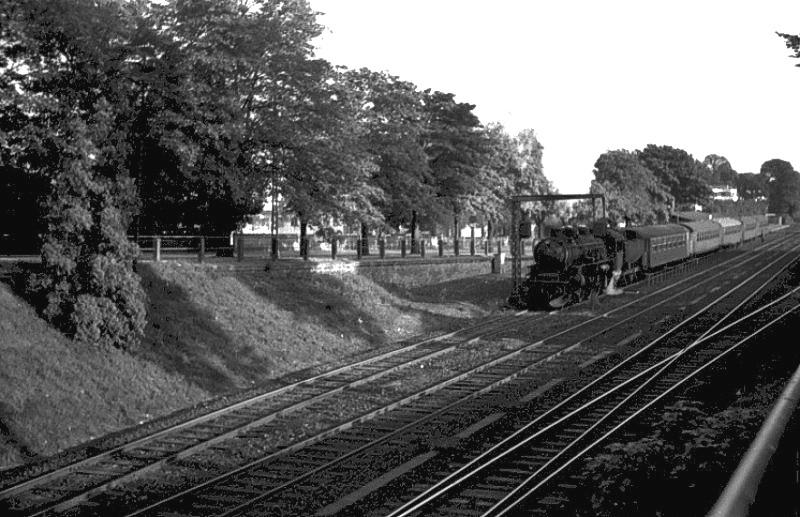 http://www.mjk-h0.dk/evp_Kystb/135-e-maskine.klampenborg.efteraar_1963-c-tom_boye_poulsen.jpg