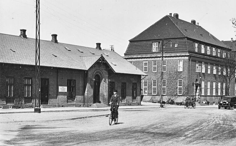http://www.mjk-h0.dk/evp_Kystb/14-hellerup.1928.rask.gb.jpg