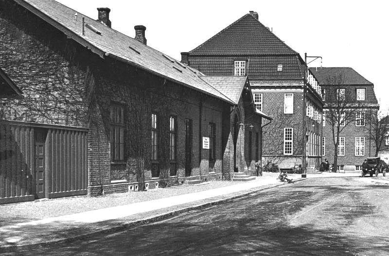 http://www.mjk-h0.dk/evp_Kystb/16-hellerup.1928.rask.gb.jpg