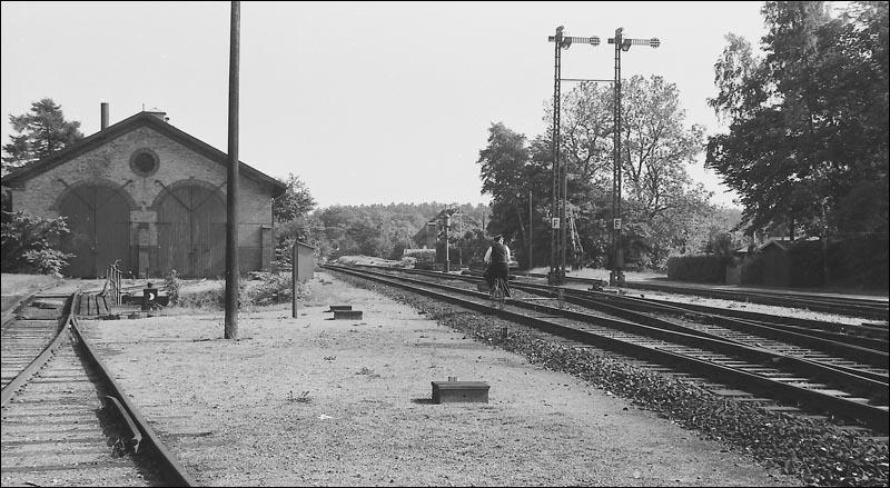 http://www.mjk-h0.dk/evp_Kystb/83-ledvogteren.%20rungsted.1959.p.b.p.jpg