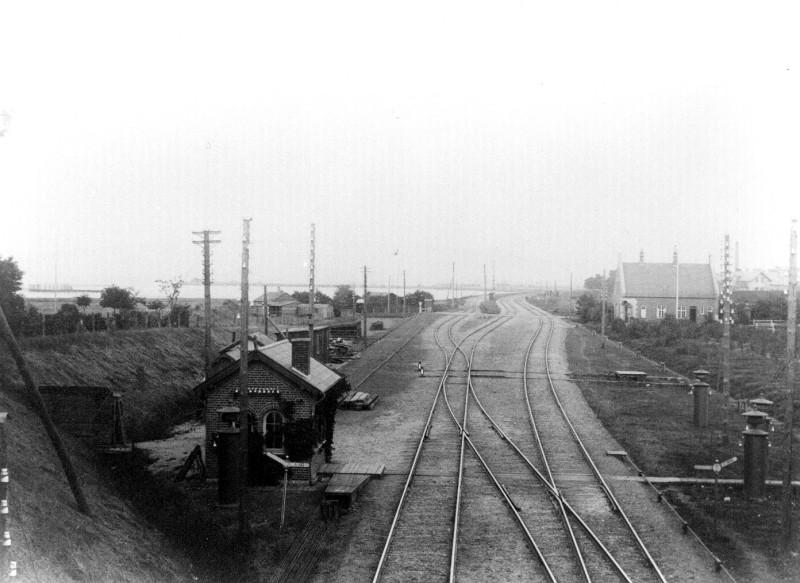 http://www.mjk-h0.dk/evp_Kystb/86-svn-krydsningsstation_ca-1918.ark.sbj.jpg