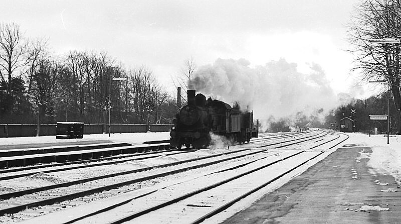 http://www.mjk-h0.dk/evp_Kystb/d820-mh_x,skodsborg.3.1.1967.-c-.sbj.2.jpg