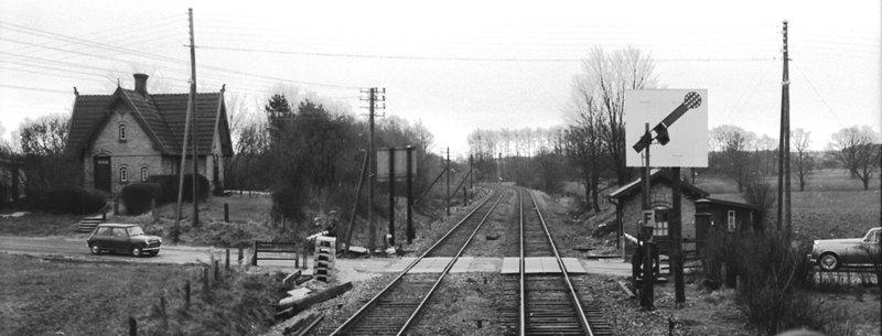 http://www.mjk-h0.dk/evp_Kystb/helleholm_mellemblokpost.1967.foto.sbj.jpg