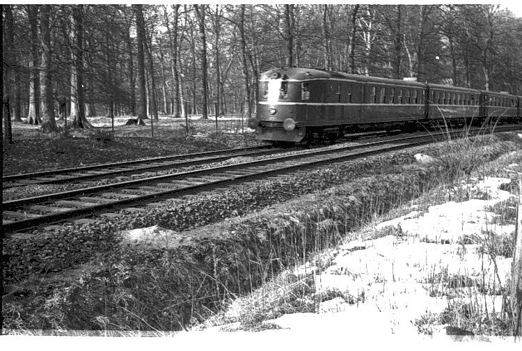 http://www.mjk-h0.dk/evp_Kystb/klampenborg,%20ca.1966,.jpg
