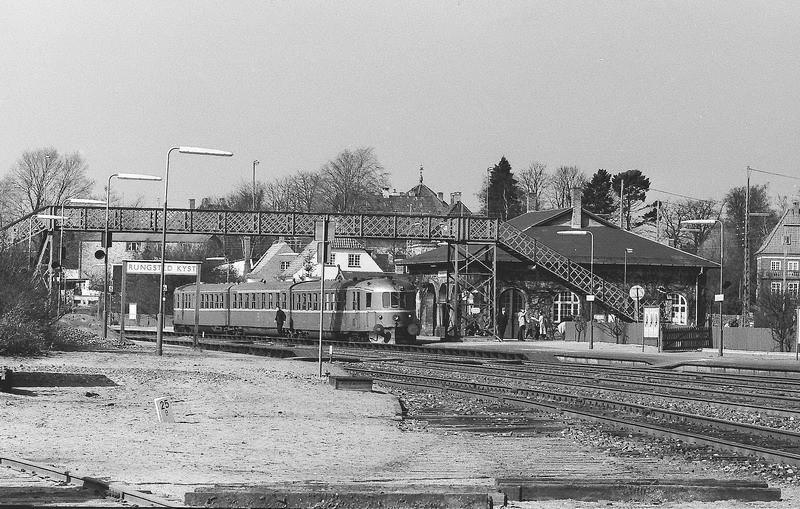 http://www.mjk-h0.dk/evp_Kystb/rungsted.1973.foto.-c-.per%20b.%20pedersen.jpg