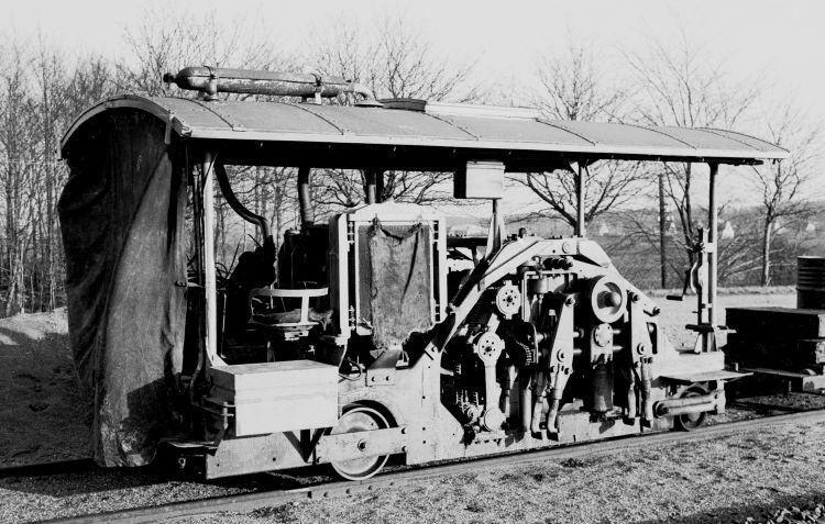 http://www.mjk-h0.dk/evp_Nips/8.ii.06.svellestoppemaskine.sveboelle.december_1956.jpg