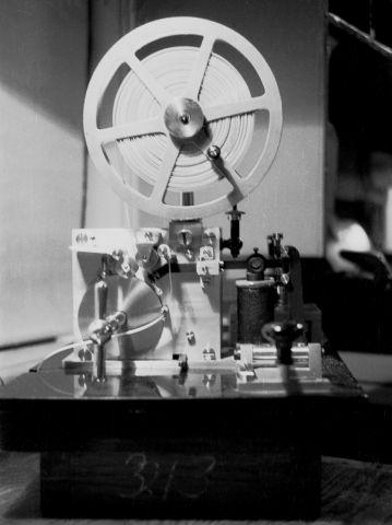 http://www.mjk-h0.dk/evp_Nips/8.iii.05.telegrafapparat.sveboelle.december_1956.jpg