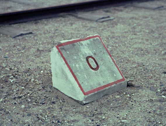 http://www.mjk-h0.dk/evp_Nips/b-873.i.28.skrj.o,o-km.sten,roedkaersbro.31.3.1968..jpg