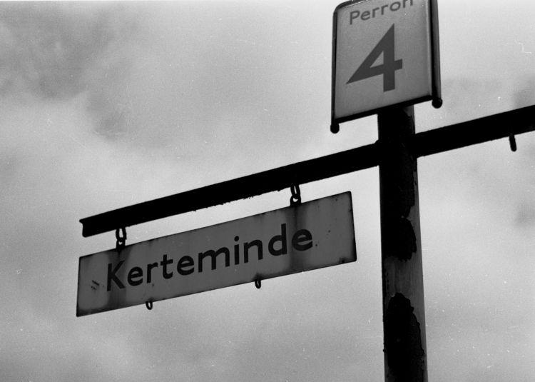 http://www.mjk-h0.dk/evp_OKMJ/311.iii.30.okmj.togviserskilt-kerteminde..20.3.1966..jpg