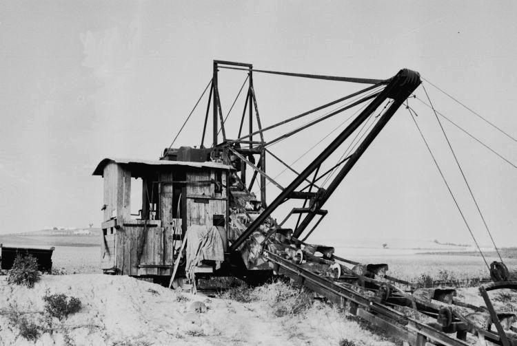 http://www.mjk-h0.dk/evp_Proe/129.iii.30.spandegravemaskine.proevelyst,gunderoed.18.10.1960.jpg
