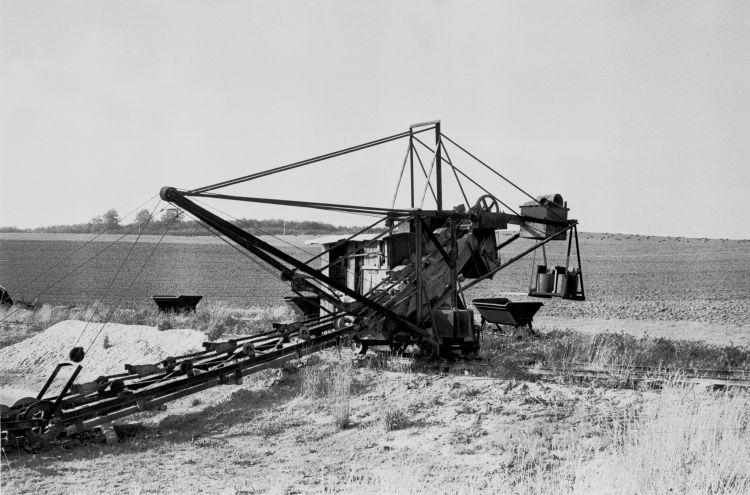 http://www.mjk-h0.dk/evp_Proe/129.iii.32.spandegravemaskine.proevelyst,gunderoed.18.10.1960.jpg