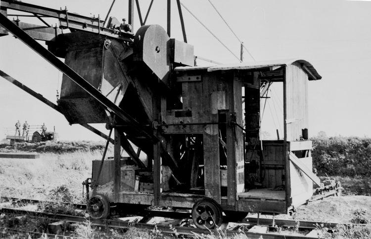 http://www.mjk-h0.dk/evp_Proe/129.iii.33.spandegravemaskine.proevelyst,gunderoed.18.10.1960.jpg
