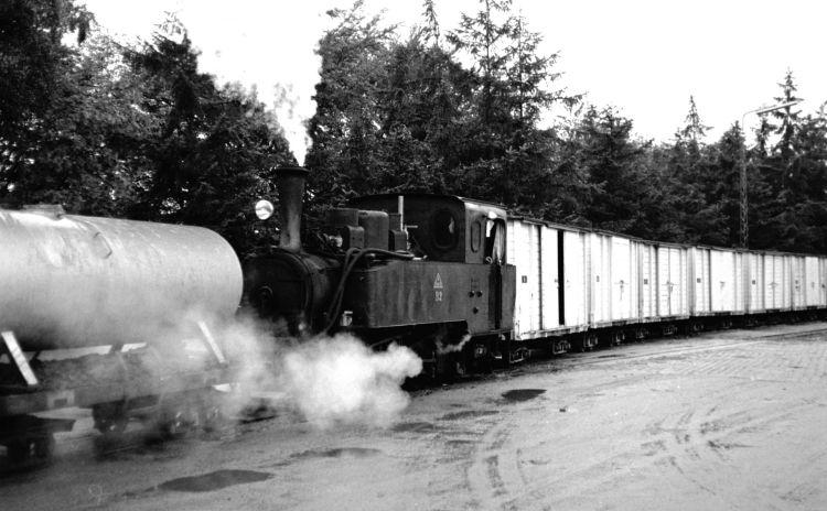 http://www.mjk-h0.dk/evp_Roer/262.i.60.adds_b2_rang.m.lukk.hvide_vogne.sakskoebing_sukkerfabrik.18.10.1964.jpg
