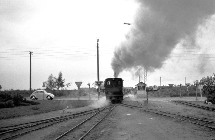 http://www.mjk-h0.dk/evp_Roer/263.ii.12.sakskoebing_sukkerfabrik.18.10.1964.jpg