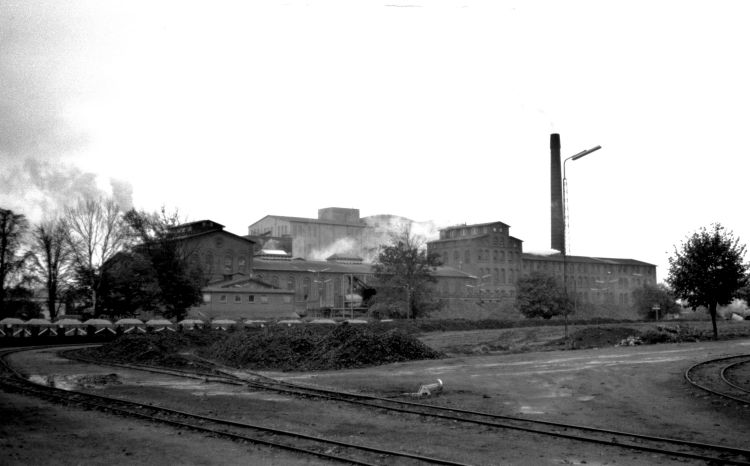 http://www.mjk-h0.dk/evp_Roer/263.ii.14.sakskoebing_sukkerfabrik.18.10.1964.jpg