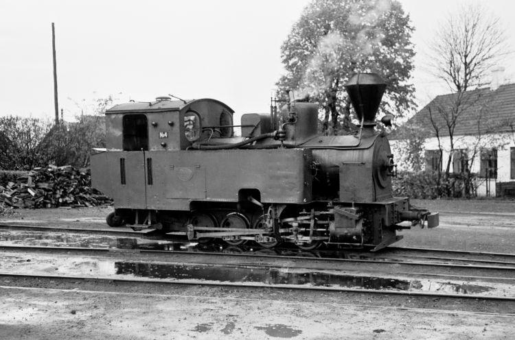 http://www.mjk-h0.dk/evp_Roer/74.ii.19a,goerlev_sukkerfbr._nr.4.goerlev.okt.1959.jpg