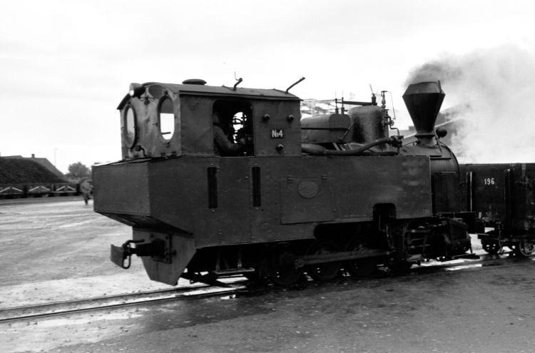 http://www.mjk-h0.dk/evp_Roer/74.iii.24a.goerlev_sukkerfbr._nr.4,goerlev.okt.1959.jpg