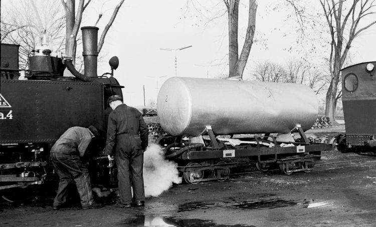 http://www.mjk-h0.dk/evp_Roer/79.i.29.adds.da_1_og_tankvogn_f.b_2.sakskoeb.sukk.fbr.nov.1959.jpg